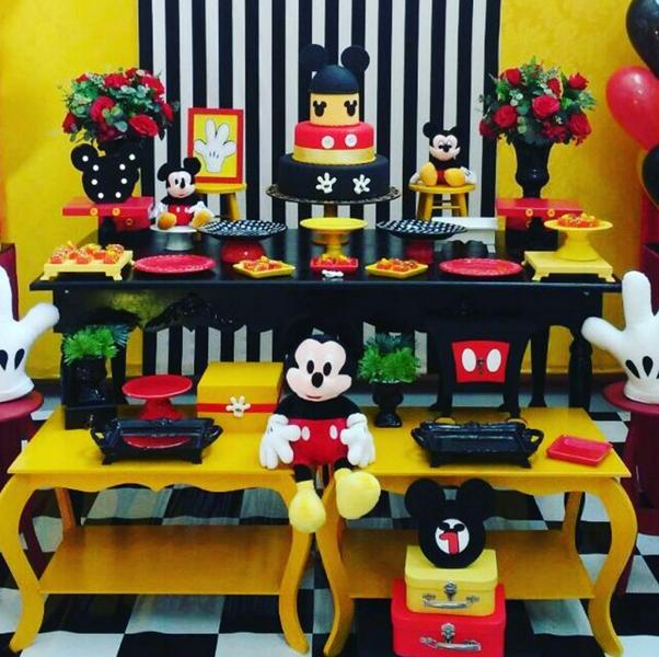 Festa do mickey preto e branco e vermelho