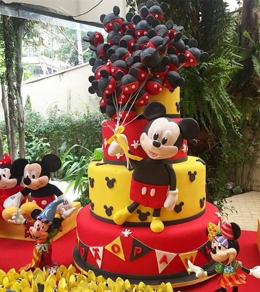 Créditos: @boutiquede3kids Bolo carolbuarquecakeboutique Festa Mickey Mouse