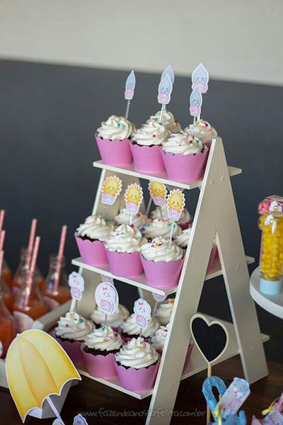 Cupcakes Festa Infantil Chuva de Bênçãos da Julia