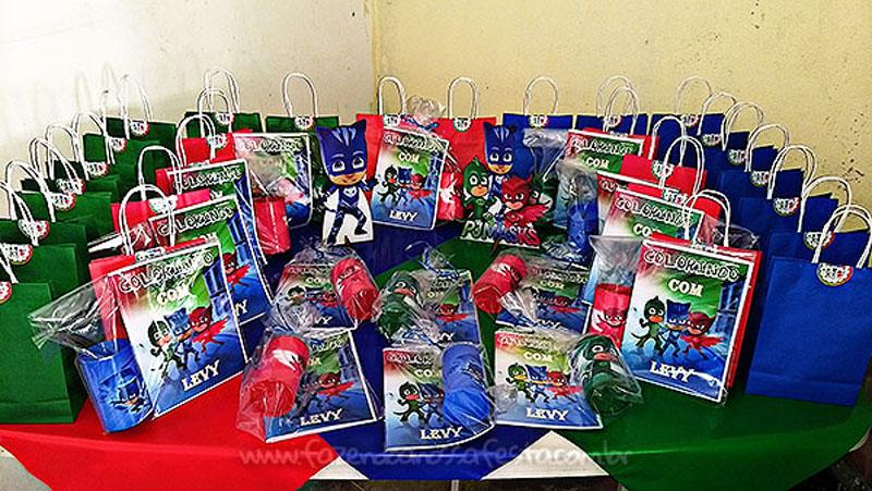Livrinho de colorir Festa Infantil PJ Masks do Levy