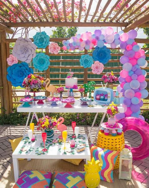 Créditos: @karlastepheneventos @lidiacampelo.fotografia 2 Ideias Criativas para Festa Flamingo