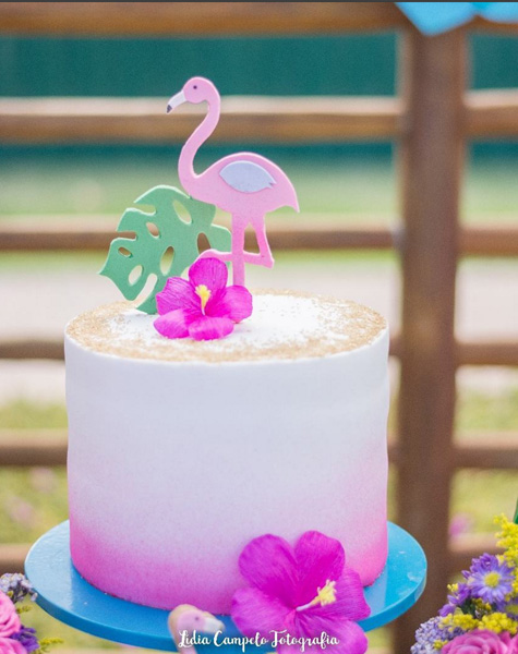 Créditos: @karlastepheneventos @lidiacampelo.fotografia 3 Ideias Criativas para Festa Flamingo