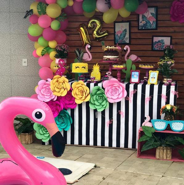 Créditos: @xuxucakes 2 Ideias para Festa Flamingo