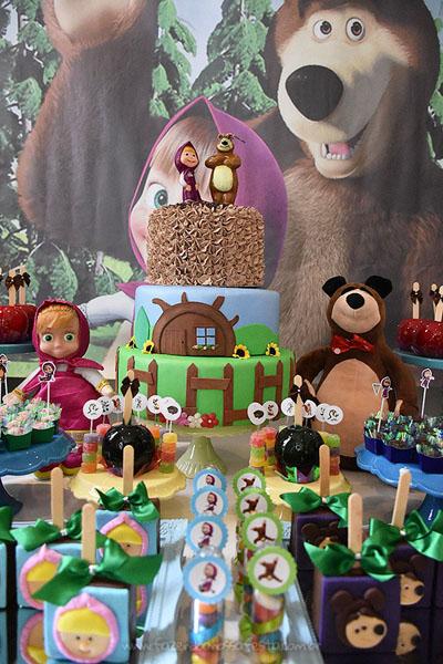 Bolo Festa Masha e o Urso do Pietro