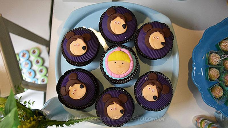 Cupcakes Festa Masha e o Urso do Pietro