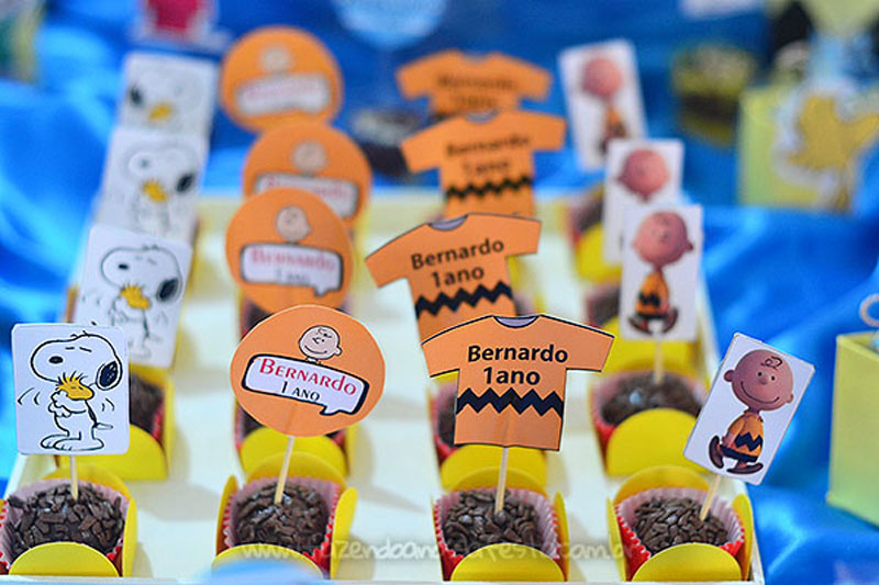 Doces personalizados Festa Snoopy do Bernardo