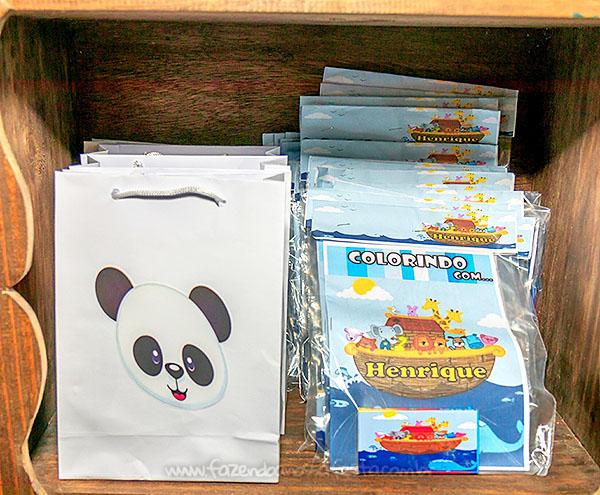 Livrinho para colorir Festa Infantil Arca de Noe do Henrique