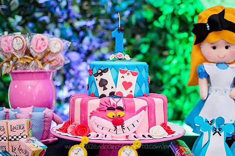 Festa Alice no País das Maravilhas da Laura 3