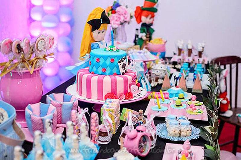 Festa Alice no País das Maravilhas da Laura 44