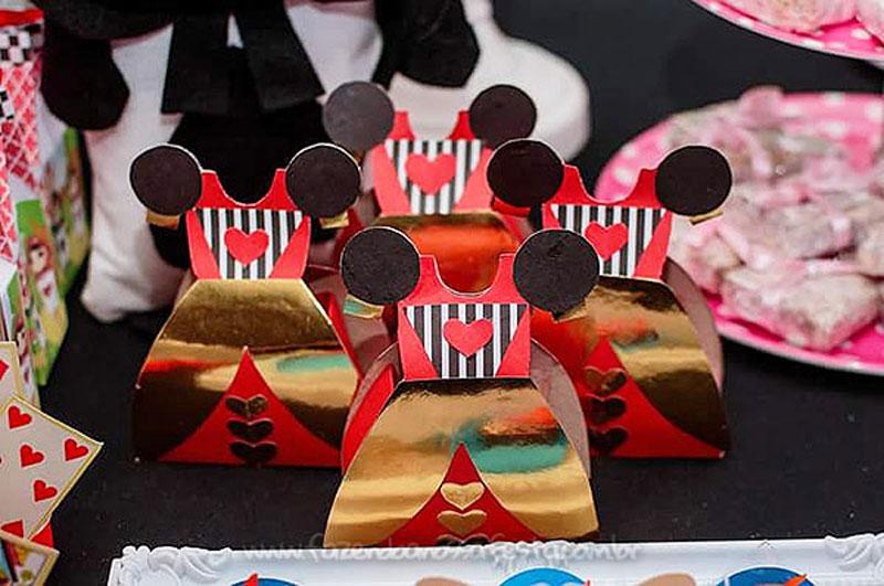 Festa Infantil Alice no Pais das Maravilhas da Laura 9