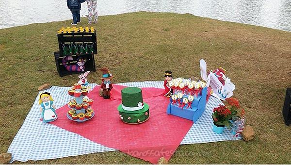 festa Piquenique no pais das maravilhas da duda 7
