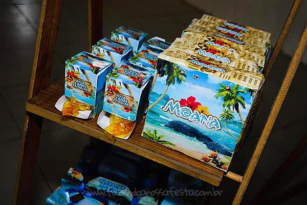 Festa Moana da Ayla caixinhas personalizadas
