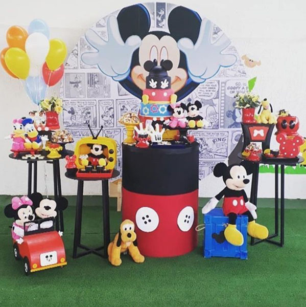 Ideia Painel Redondo para festa Mickey Mousse 8